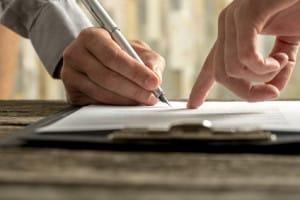 Gespraech zur Zweitwagenversicherung vom ADAC